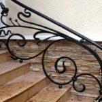 Кованые перила для лестниц в интерьере