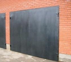 Гаражные металлические распашные ворота