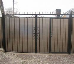 Ворота из поликарбоната с калиткой