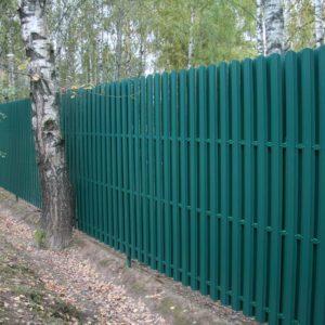 Забор из евро-штакетника